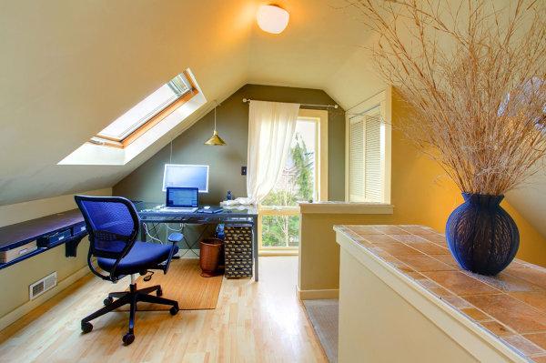 Jak zaadaptować strych na pomieszczenie mieszkalne?