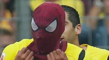 Był już Spidermanem, teraz został Batmanem. Klopp niezadowolony z cieszynek Aubameyanga (WIDEO)