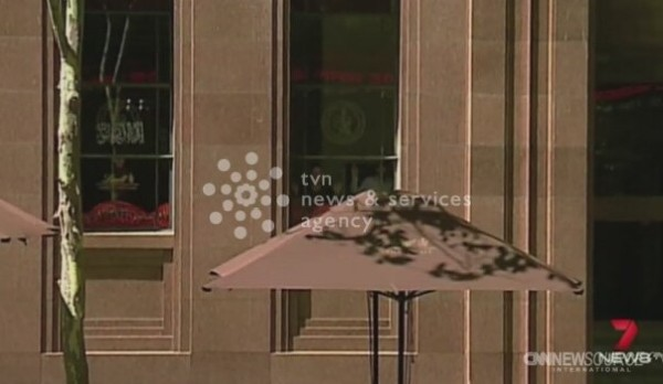 Zakładnicy przetrzymywani w kawiarni w Sydney