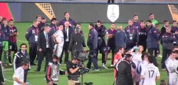 Piękny gest Carlo Ancelottiego (WIDEO)