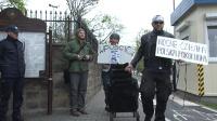Polska Partia Świrów protestowała przed konsulatem rosyjskim