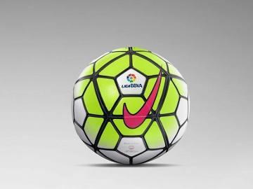 Różowy, pomarańczowy, zielony - kolory nowych piłek dla ligi włoskiej, angielskiej i hiszpańskiej (ZDJĘCIA)