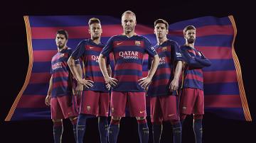 FC Barcelona zaprezentowała stroje na nowy sezon. Są kontrowersyjne poziome pasy (ZDJĘCIA)