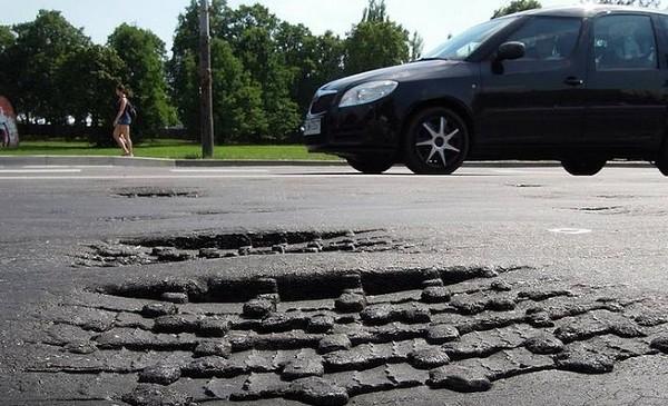 Na ul. Wojska Polskiego autobusy zapadają się w asfalt