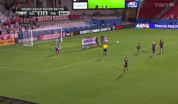 Fantastyczny rzut wolny Sebastiana Giovinco w MLS (WIDEO)