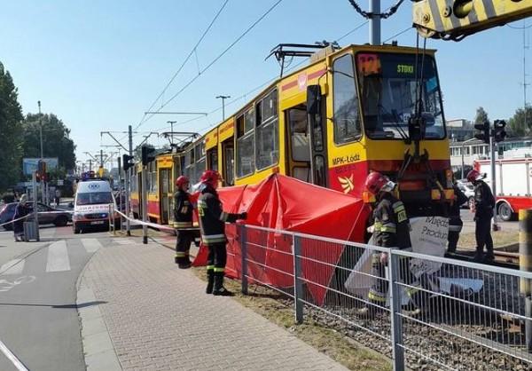 Śmiertelny wypadek na ul. Aleksandrowskiej. Rowerzystka wpadła pod tramwaj