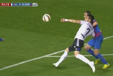 Piękny gol Negredo w meczu Valencii z Levante (WIDEO)