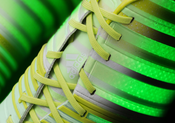 Buty na piłkarskie polowanie - oto seria świecących korków Hunt! (MEGAGALERIA)