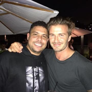 Wzruszający gest Beckhama początkiem akcji #buyitlikebeckham [WIDEO]
