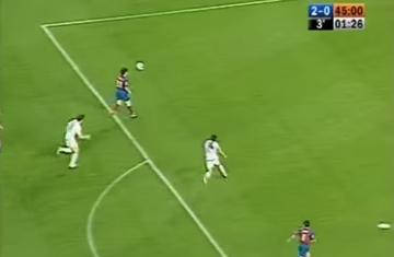 Dokładnie 10 lat temu Lionel Messi strzelił pierwszego gola dla Barcelony (WIDEO)