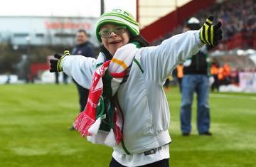 Gol chorego chłopca najpiękniejszym trafieniem stycznia w Szkocji! (WIDEO)
