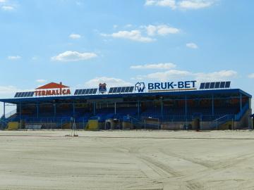 Modernizacja stadionu Termaliki Bruk-Bet Nieciecza. Obiekt beniaminka rośnie w oczach! (GALERIA - cz. 2)