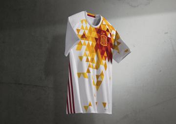 Kreatorzy futbolu zaprezentowali wyjazdowe koszulki na UEFA EURO 2016 [ZDJĘCIA]
