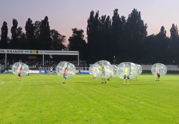 "Bubble Football na Suchych Stawach podczas ""Welcome to Nowa Huta"" (WIDEO)"