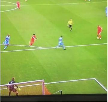 Piękny gol Hendersona przeciwko City! (WIDEO)