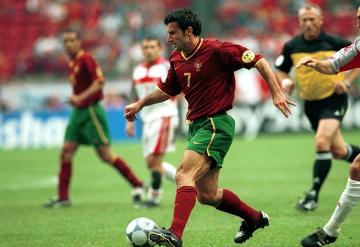 """Luis Figo kandydatem na prezydenta FIFA: Coś musi się zmienić! Portugalczyk """"obali"""" Blattera?"""
