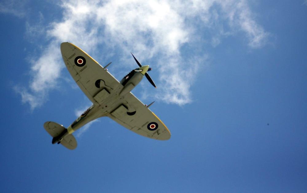 Spitfire nad lubelskim lotniskiem (ZDJĘCIA, WIDEO)