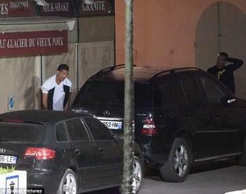 Cristiano Ronaldo sikał w miejscu publicznym? (ZDJĘCIE)