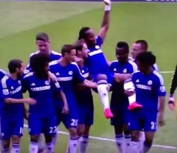 Didier Drogba pożegnał się z Chelsea Londyn (WIDEO)