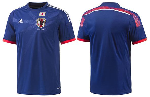 Japonia: Adidas. Główny motyw graficzny reprezentujący siłę zespołu jest inspirowany przez 11 linii, które nawiązują do wszystkich zawodników drużyny piłkarskiej. Na plecach koszulki znajduje się napis wykonany japońskim pismem ręcznym, a taśma wokół ramion symbolizuje jedność i nierozerwalność zespołu.