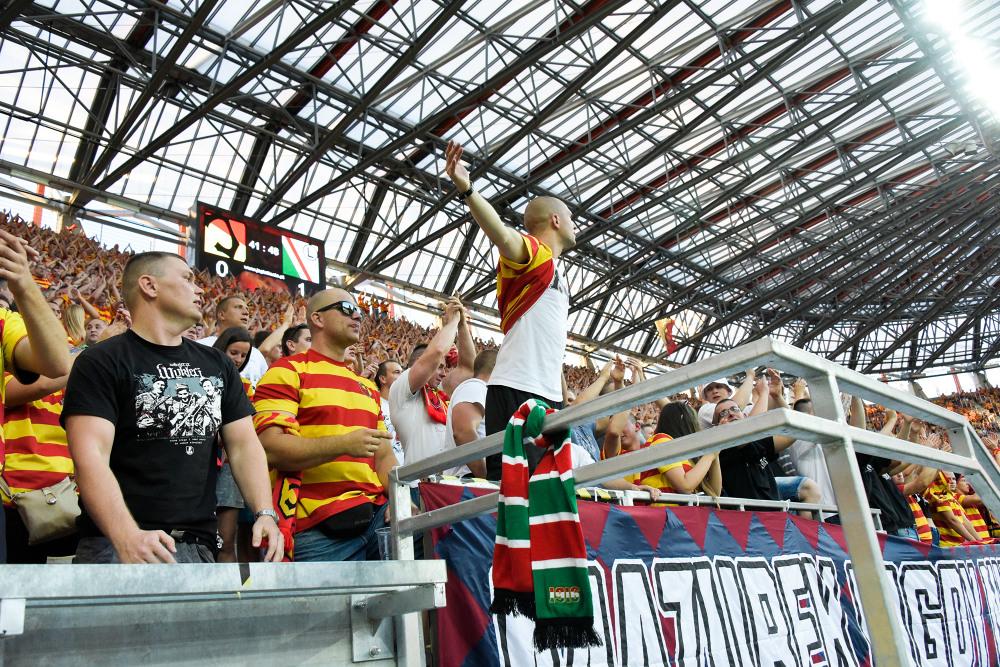 Kibice na meczu Jagiellonia Białystok - Legia Warszawa (GALERIA)
