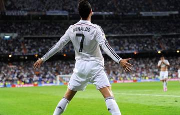 """Chiny oszalały na punkcie Cristiano Ronaldo. Pięć """"ofiar"""" popularności Portugalczyka"""