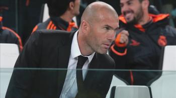 Zinedine Zidane twarzą znanej marki odzieżowej (WIDEO)