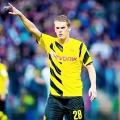 44. Matthias Ginter (Borussia Dortmund, Niemcy, obrońca, 20 lat) – 10 milionów euro przeznaczył Juergen Klopp na sprowadzenie latem młodego obrońcy Freiburga. W poprzednim klubie otrzymywał więcej szans na grę, w BVB ma bardzo dużą konkurencję. Ginter razem z reprezentacją Niemiec zdobył mistrzostwo świata w Brazylii.
