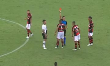 Cztery czerwone kartki w ciągu dwóch sekund? W Brazylii to możliwe