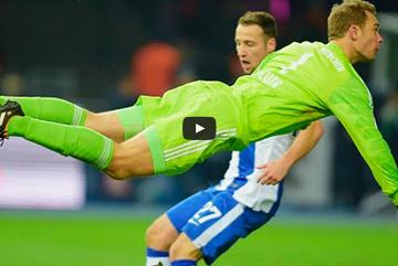 Najefektowniejsze zagrania bramkarza Bayernu (WIDEO)