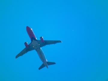 Niebo nad Lublinem. Samoloty WizzAira i Ryanaira