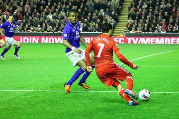 Suarez i Torres wracają do Liverpoolu. Na Anfield Road zagrają pod koniec marca