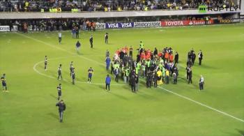 Skandal w Argentynie. Piłkarze River Plate zaatakowani gazem pieprzowym przez kibiców