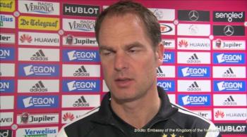 De Boer o Miliku: To młody, bardzo interesujący zawodnik. Chciałbym, żeby został w Ajaxie (WIDEO)