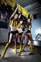 Modelki lepsze od piłkarzy, czyli przegląd kalendarzy na rok 2012 (zdjęcia)