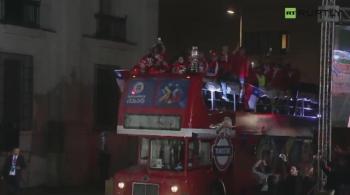 Chi! Chi! Chi! Le! Le! Le! Piłkarze świętowali z kibicami pierwszy w historii triumf w Copa America (WIDEO)