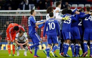 Klasowe zachowanie Petra Cecha po finale Capital One Cup
