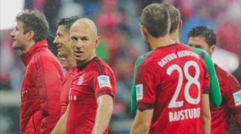 """Pozaboiskowe kłopoty w Bayernie. W szatni jest """"kret"""", a Vidal był pijany na zgrupowaniu [WIDEO]"""