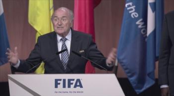Blatter: Dziękuję, że pozwoliliście mi dowodzić tą łodzią nazywaną FIFA. Zawrócimy ją na brzeg (WIDEO)