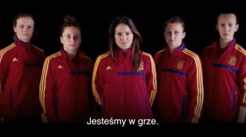 Tego w piłce jeszcze nie było. Kobiece reprezentacje w FIFA 2016 (WIDEO)