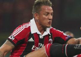 Obrońca Milanu dusił rywala na boisku w meczu z Lazio!