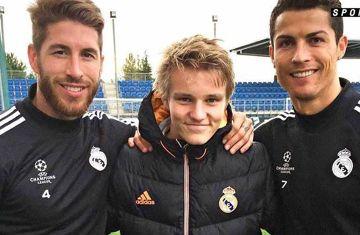 Odegaard, Cristiano Ronaldo i Sergio Ramos - zdjęcie kolegów z Realu
