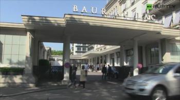 Tłum dziennikarzy pod hotelem, poruszenie w siedzibie FIFA. Szwajcaria po zatrzymaniu działaczy (WIDEO)