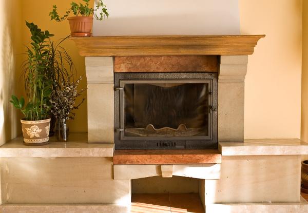 Prawdziwy kominek - nie tylko dekoruje wnętrze, ale i je ogrzewa