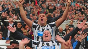 Wygrał walkę z rakiem i pomógł klubowi utrzymać się w Premier League (WIDEO)