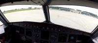 Lądowanie na lubelskim lotnisku. Widok z kokpitu samolotu (WIDEO)