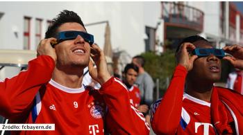 Piłkarze Bayernu obserwowali zaćmienie słońca na treningu (WIDEO)