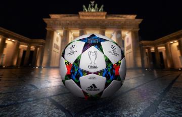 Barcelona i Juventus zagrają nią w finale Ligi Mistrzów! Oto piłka Finale Berlin! (ZDJĘCIA)