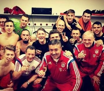 Piłkarze Bayernu świętują mistrzostwo jesieni