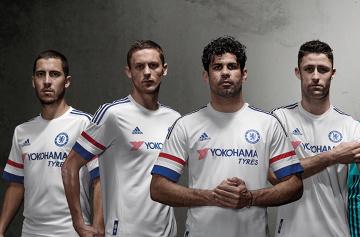 """""""Wyjazdowa"""" Chelsea w klasycznej bieli! Dodaj swój własny odcisk palca! (ZDJĘCIA, WIDEO)"""
